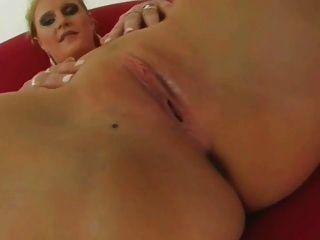 violett - big Titted Krankenschwester