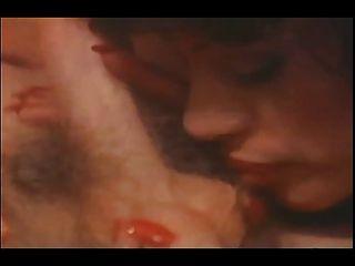 die erotische Welt von vanessa voller Vintage-Porno-Film