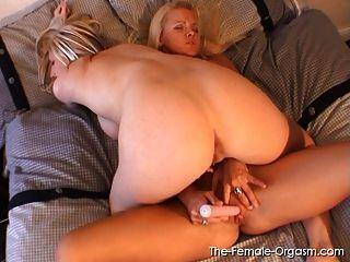 dralle Blondinen solo und Lesben Orgasmen