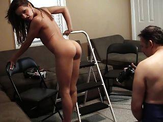 vanessa zeigt ihren heißen Körper und Füße