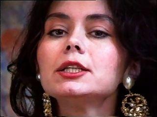 Haarig Latina MILF wird gefickt