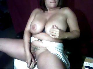 webcam - dick MILF mit großen Titten Dildos selbst