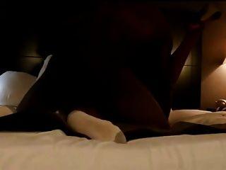 blonde Frau ruft schwarzen Schwanz gefickt