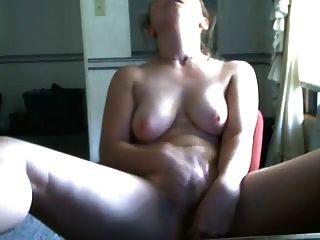 Frau in der Militär