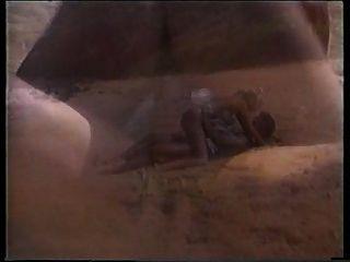 Peter shags Norden eine heiße Blondine am Strand