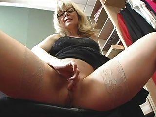 hot MILF Nina Hartley