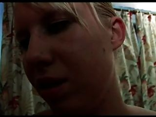 Französisch Casting n22 schwarz und blonde lesbische Babes mit Dildo