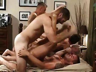 hot bareback Orgie (vollständig)