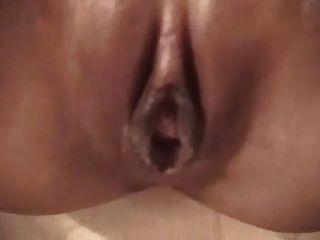 Hot Asian Babe mit Dildo