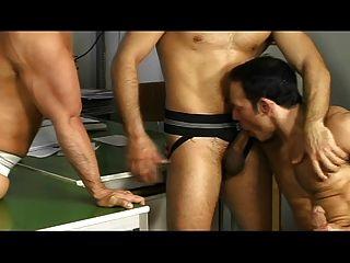 sexy Sportler in anal Vierer ficken