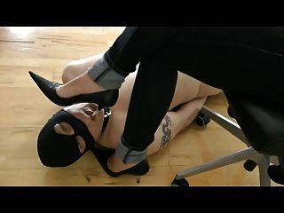 High Heel mit cbt lecken
