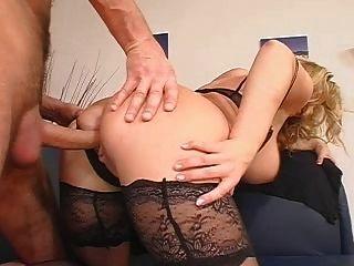 big Titted blonde wird gefickt