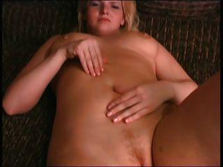 BBW Ex-Freundin Blondine mit Titten und Pussy spielen