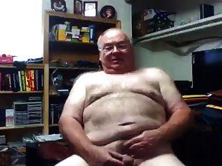 süßen Opa zeigt seinen Schwanz