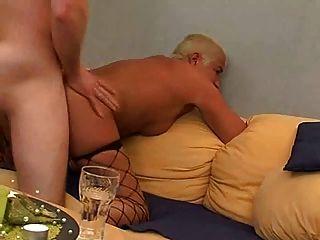 kurze Haare blond reifen