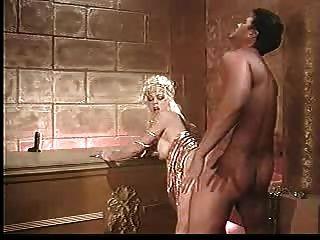 blonde reifen hart im Badezimmer gefickt - jp spl