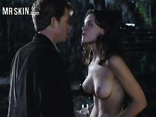 Katie Holmes wird gewürgt und reißt ihr die Kleider vom Leib!