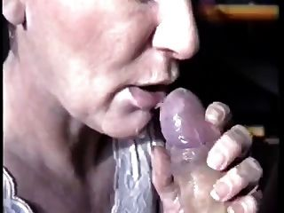 große Sperma in den Mund