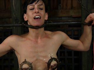 Slave gefoltert und bittet 1 von 2