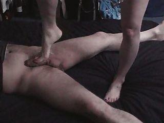 reifen Füße in schwarzen Heels einige egs vernichtende
