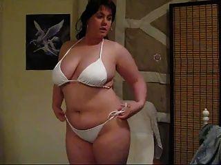 Hot bbw zeigt ihren Körper