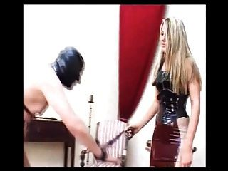 blonde Deutsch humiliatrix Züge Slave