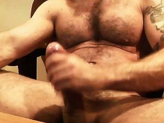 webcam - haarige Muskel italienische Papa Wichsen