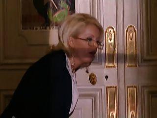 anal Arzt fickt bestrumpften Dame
