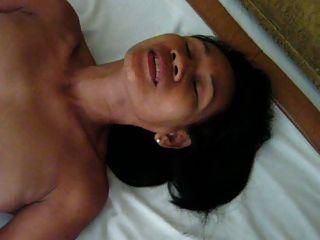 me karon Ich masturbiere im Hotelzimmer für meine Freunde