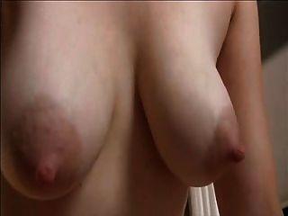 süße Mutter mit haarige Fotze & schlaffe Brüste schmackhaft