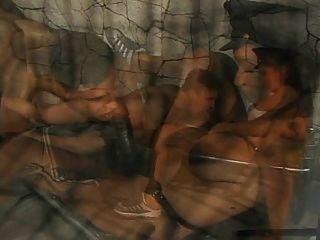 Gefängnis strapon