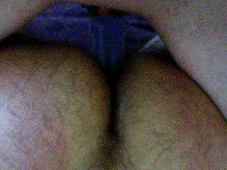 Bi-Sex den doppelköpfigen Dildo von hinten mit