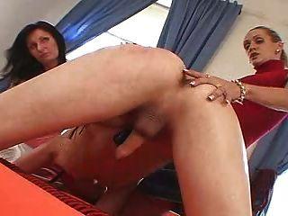 2 tschechischen Königinnen ficken seinen Esel