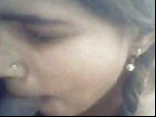 indisches Mädchen ficken mit 2 Männer im Freien Spaß