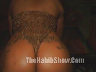 50-Zoll-Blase Butt Stripper gefickt