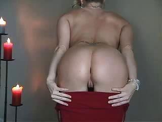 sehr schöne Striptease in rot
