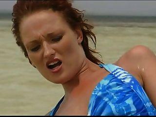 britische Schlampe Donna Marie wird im Meer gefickt