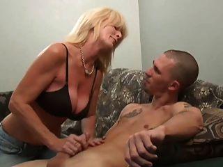 Very sexual and Reife schmackhafte Sohlen fun, not your regular