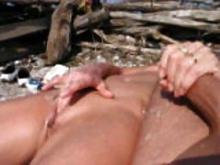 Wichsen am Strand