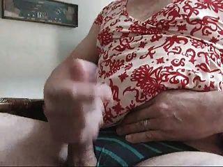 jackin ab, während das Tragen Wifes Kleid, Absätze und Schlüpfer