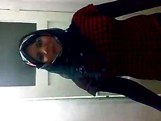 arab hijabi Hure Tanzen 3