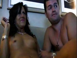 geil Schritt Mutter liebt Pornos
