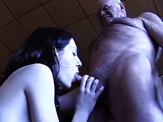 Opa bekommt einen Blowjob