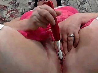 klobig gal in hot pink