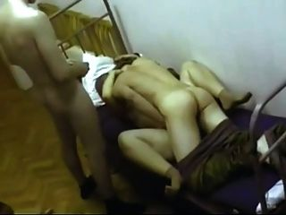 Soldaten verwenden, um eine Prostituierte