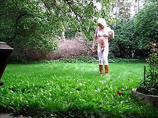 jeannet fuentes im Garten Auskleiden