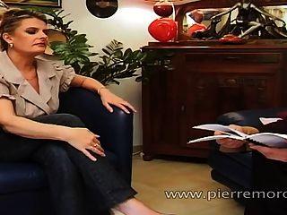 ein glücklicher französisch Mann Sex mit einem Studenten Schlampe und eine MILF mit