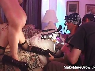 Hot Babe ihren Arsch gefickt strecken und bekam facial2
