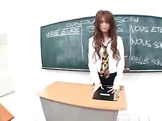 Japanische Lehrer masturbiert im Klassenzimmer von snahbrandy