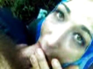 Hijab erstaunliche Blowjob abspritzt er in den Mund